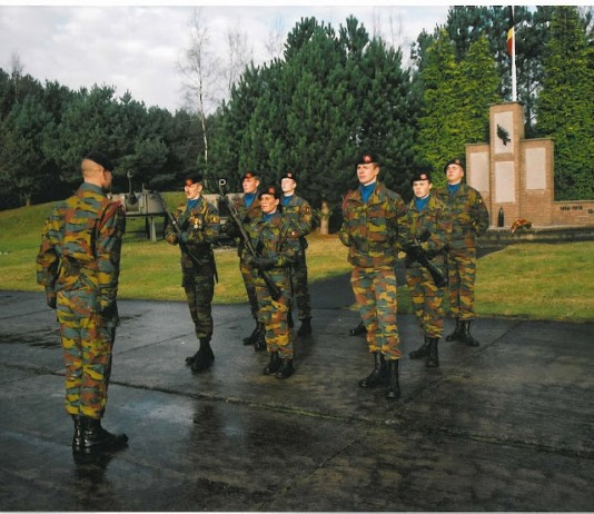 2002 Bloemenhulde monument 2A